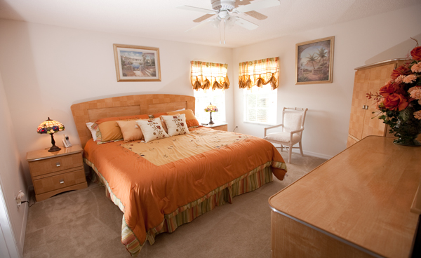 2590.kingbedroom2-ccr.jpg