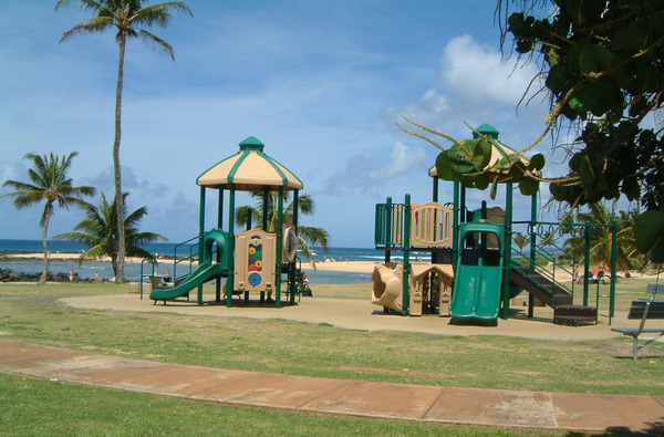 2600.poipu_park_kids_play_area.jpg
