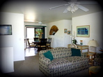 2600.tn-2-living_room_into_dining_room_-_surfrider_suite.jpg