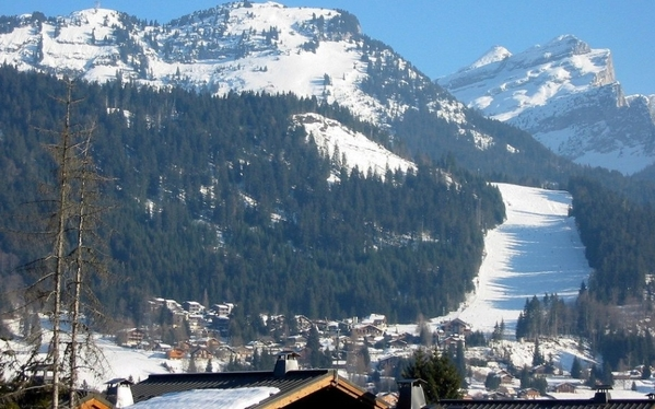 2655.les_carroz_winter_view_t.jpg