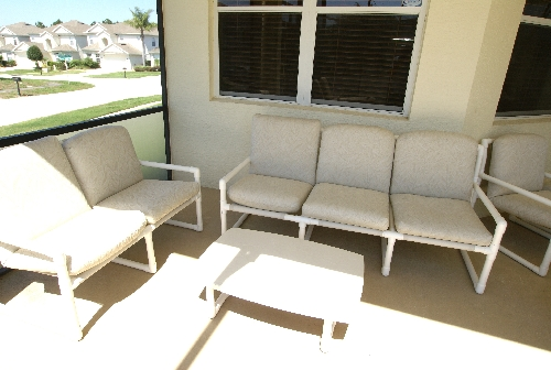 3164.Patio with furniture.JPG