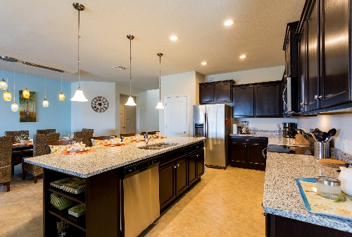3213.kitchen dining area.JPG