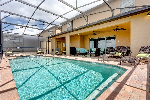 3213.pool and spa with covered lanai.JPG