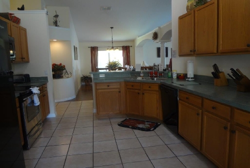 3225.Kitchen Area 2.jpg