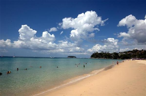 967.kata_beach_calm_large_small_.jpg